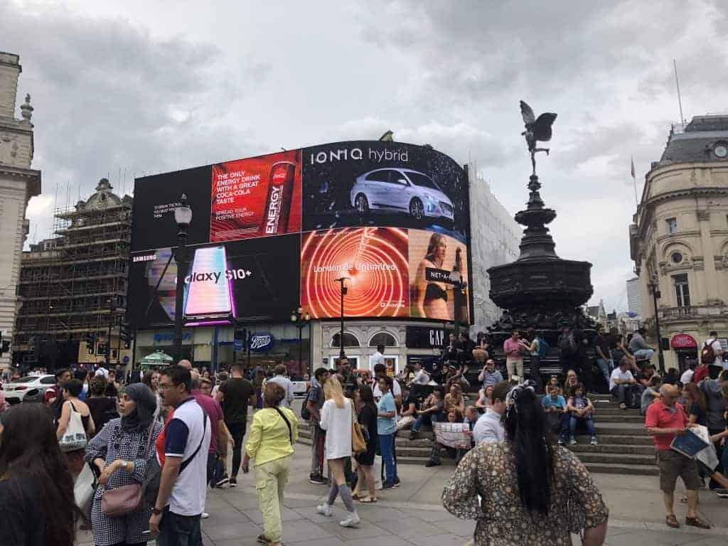 Piccadilly Circus - Cosa vedere e tutto quello che devi sapere 1