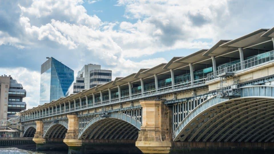 Blackfriars Railway Bridge ponti di Londra